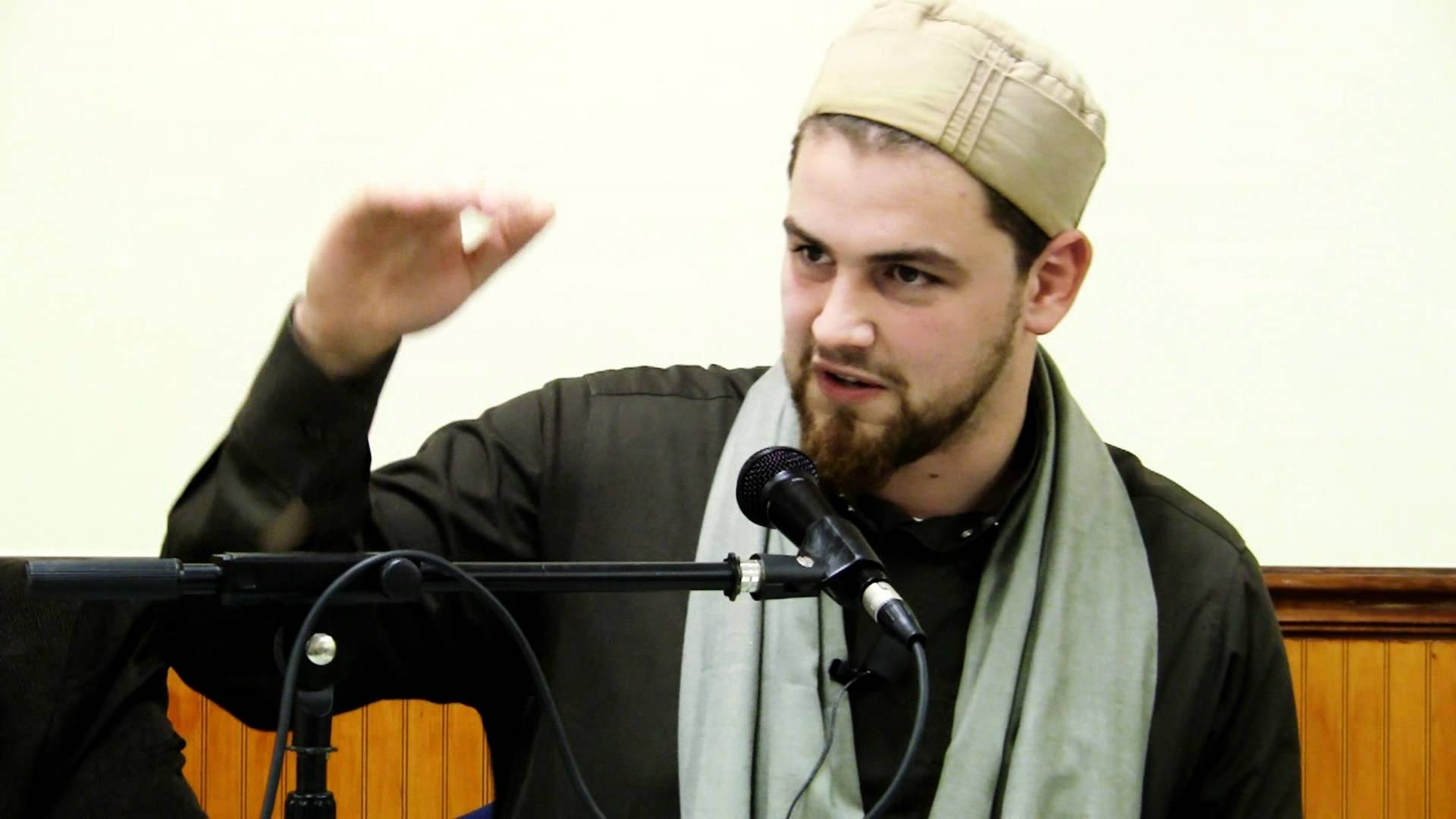 10 Muslim Speakers Making it Count on YouTube