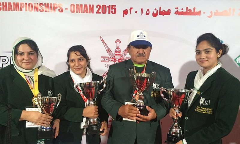 First-female-power-lifting-gold-hat-trick