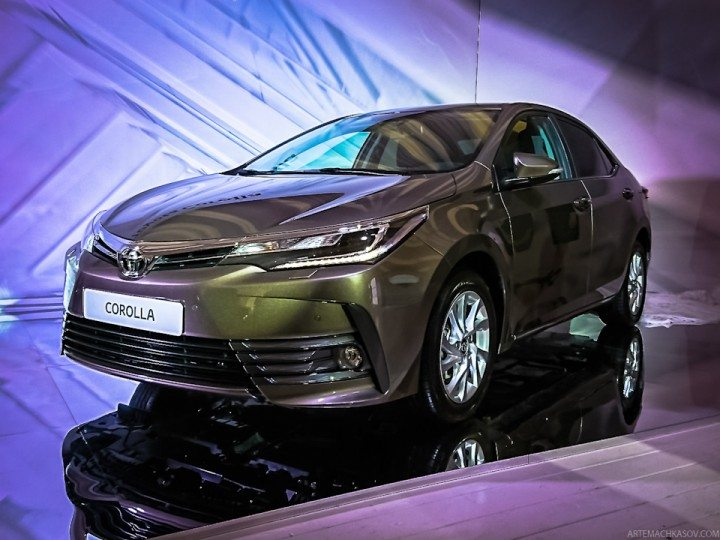 Cars in Pakistan in 2017 - Toyota Corolla Altis